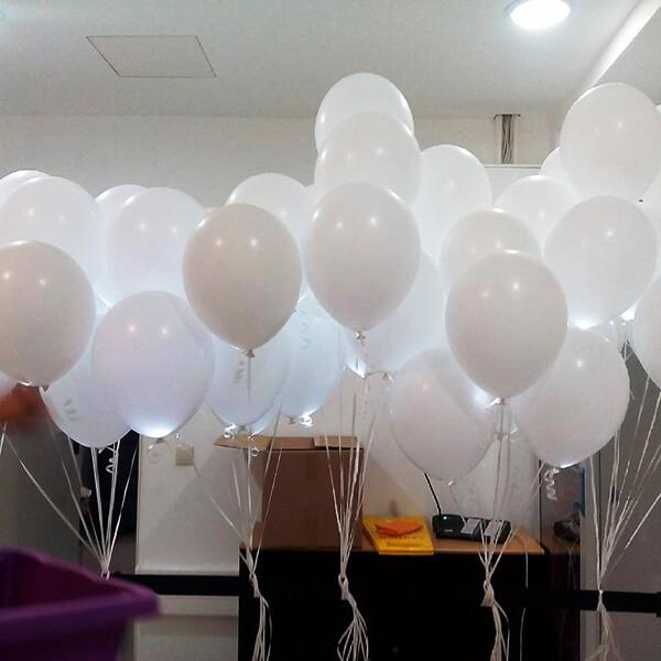 Светящиеся шары белые с гелием фонтаны 50 шт